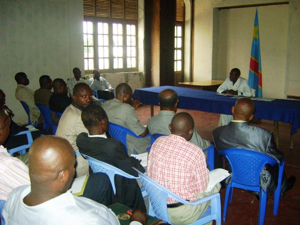 Le Maire de la Ville avec les Notables de la Ville de Kisangani