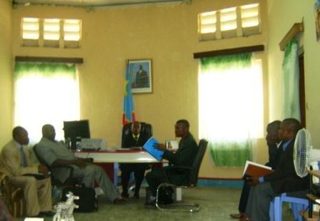 Le porte-parole de la délégation survole le CSMOD