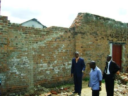 Le Maire de la Ville en visite et en action au quartier pénitentiaire pour femmes de la Prison centrale