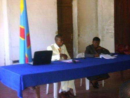 Le Maire de la ville et la représentante de la section des DH de la MONUC